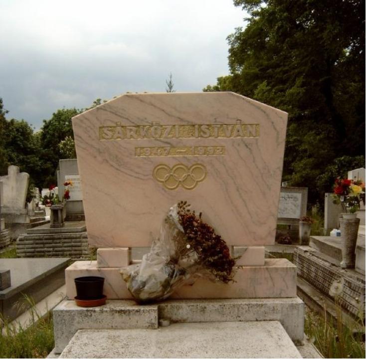 Sárközi István sírja a Farkasréti temetőben